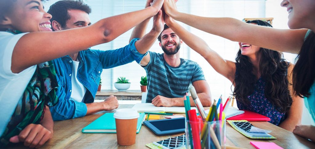 How to organize corporate team building events