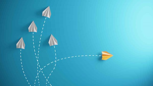 Selecting an external service provider for change management